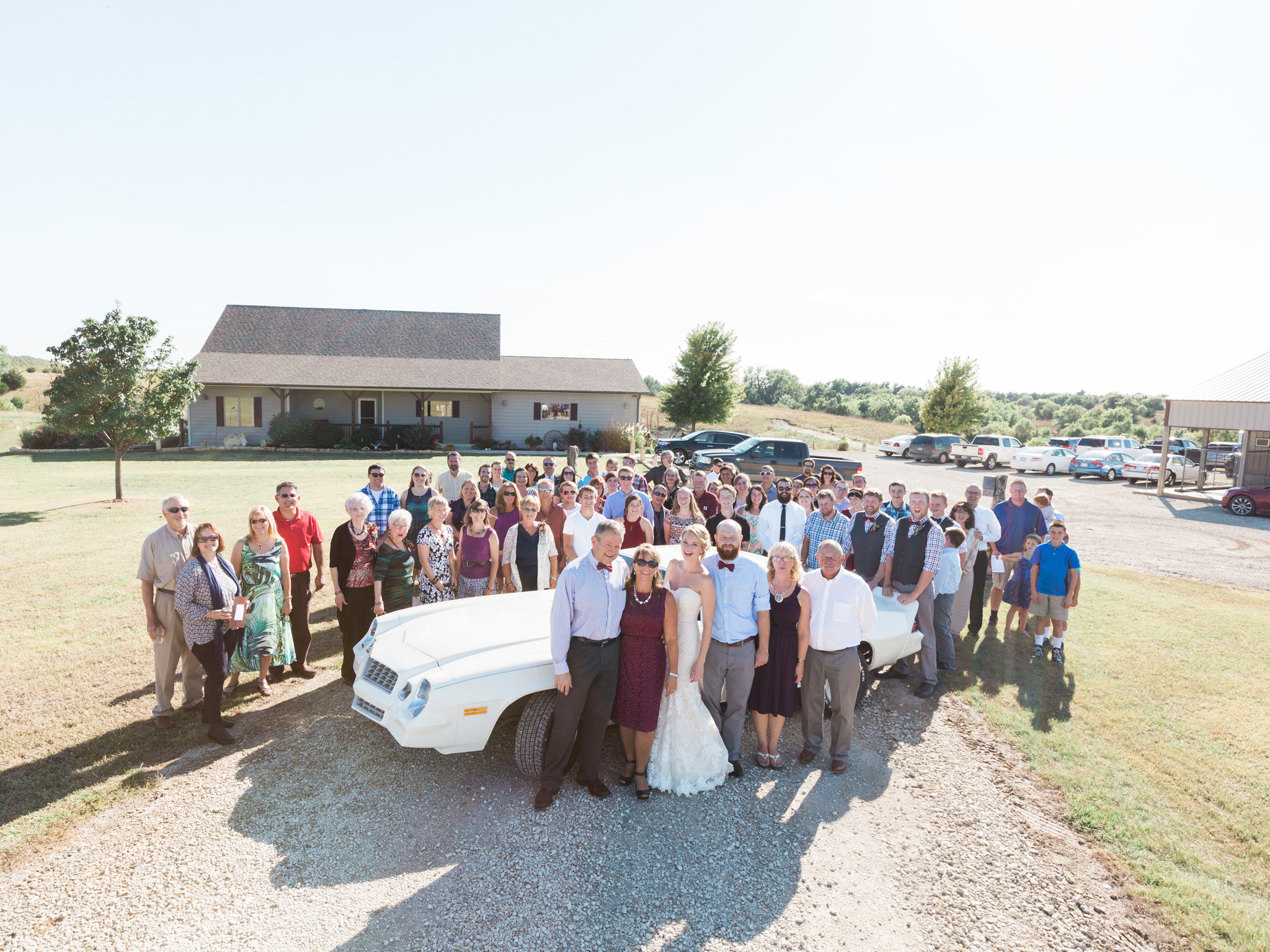 Backyard wedding in hillsboro ks cheynne ross best for Wedding photographers wichita ks